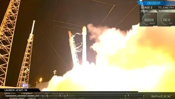 SpaceX gelingt Raketenstart und Landung