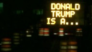 Verkehrsschild mischt sich in Wahlkampf ein