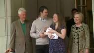Hillary Clinton freut sich über zweites Enkelkind