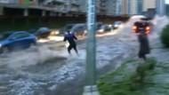Wellenritt auf Moskaus Straßen