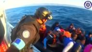 Wieder Flüchtlinge im Mittelmeer gerettet