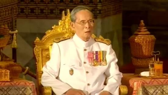Thailands König Bhumibol stirbt im Alter von 88 Jahren