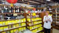 Vollsortiment: 450 Gewürz- und Teesorten hat Doris Becker im Angebot.