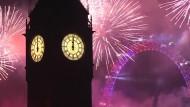 Feuerwerk und Spektakel rund um den Globus