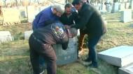 Jüdische Gräber geschändet