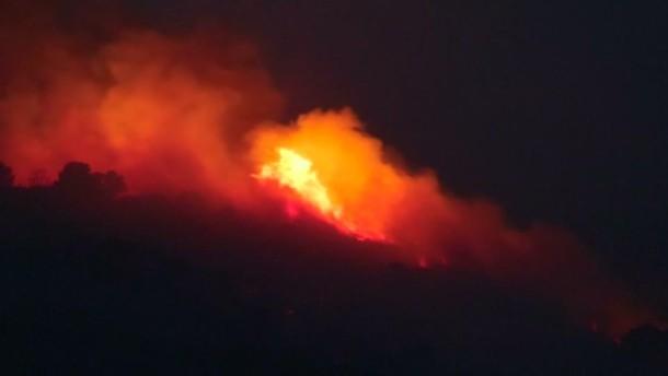 Heftige Waldbrände in Südfrankreich