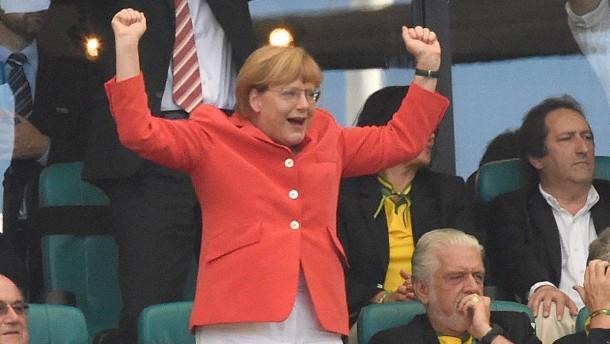 Merkel und ihre Liebe zum Fußball