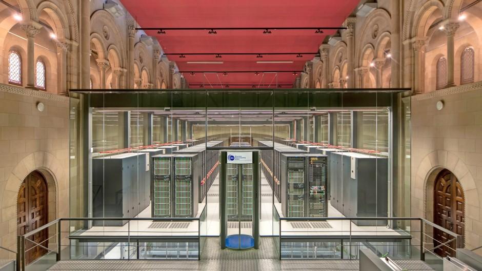 Kathedrale der Datenverarbeitung: Barcelonas Supercomputing Center befindet sich in einer ehemaligen Kirche.