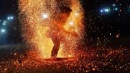 Die Feuertänzer aus Vietnam