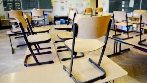Opposition kritisiert Mangel an Daten zu Unterrichtsausfall