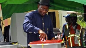 Technische Probleme verzögern Wahl in Nigeria