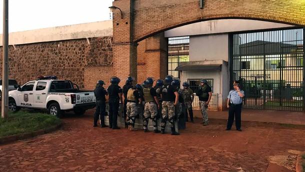Massenflucht aus paraguayischem Gefängnis