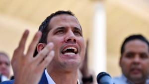 Guaidó bittet Deutschland um Hilfe