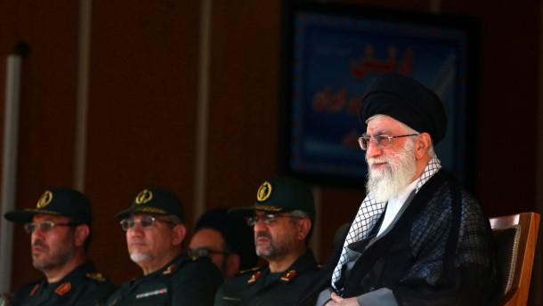 Chamenei unterstützt gemäßigte Diplomatie