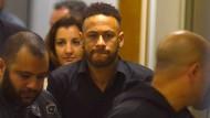 Sichtlich geknickt schaut Neymar angesichts der Vergewaltigungsvorwürfe gegen ihn dieser Tage drein. Nike äußerte sich deshalb sehr besorgt.