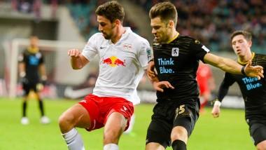 Leipzigs Tim Sebastian (links) gegen den Münchner Gary Kagelmacher