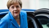 """Bundeskanzlerin Angela Merkel (CDU) am Sonntag vor ihrem Interview für die Sendung """"Berlin direkt"""""""