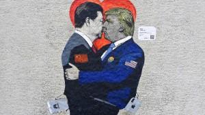 Xi wirkt wie ein Staatsmann, Trump wie ein Poltergeist
