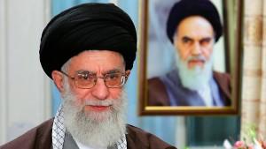 Chamenei weist amerikanische Vorwürfe als dumm zurück