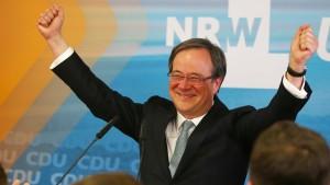 Schwarz-Gelb erzielt Mehrheit in Nordrhein-Westfalen