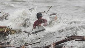 Heftiger Taifun überschwemmt Philippinen