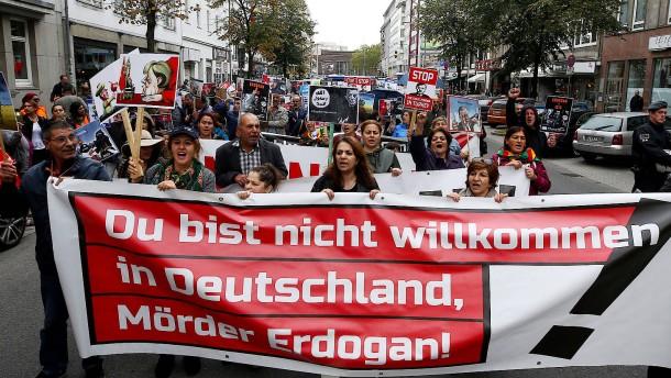 Hunderte bei Protesten gegen Erdogan-Besuch