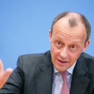 Warnt vor den schweren wirtschaftlichen Folgen der Corona-Krise: Friedrich Merz, hier bei einer Pressekonferenz im Februar
