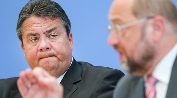 Außenminister Sigmar Gabriel Wettert Gegen Spd Führung Um Schulz