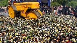 Mindestens 28 Tote durch Billig-Schnaps in Indonesien