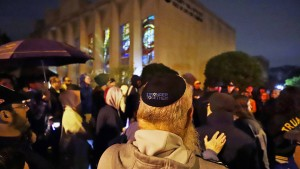 Trump verurteilt Angriff auf Synagoge