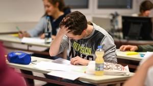 130 Gymnasien lassen Abi-Prüfung wiederholen