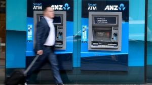 Den Bankern geht es ans Portemonnaie
