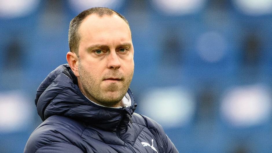 Vom Aufstiegskampf in den Abstiegskampf: Ole Werner zieht in der Kieler Negativspirale Konsequenzen.