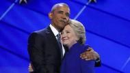 Barack Obama umschwärmt Hillary Clinton