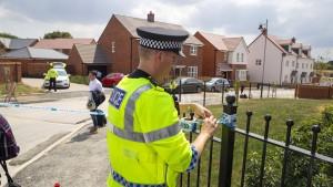 Britische Polizei stellt 400 Beweisstücke sicher