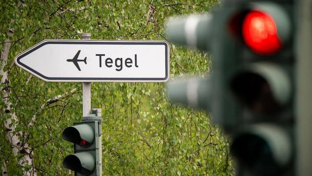 Flughafen Tegel soll zwei Monate schließen