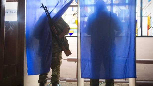 """Berlin bezeichnet Wahlen in Ostukraine als """"illegitim"""""""