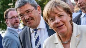 AfD in Umfrage erstmals vor CDU