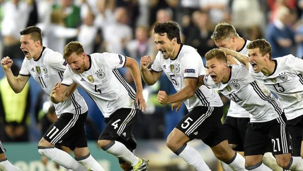 deutschland ist vor halbfinale gegen frankreich bei der em. Black Bedroom Furniture Sets. Home Design Ideas