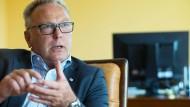 Frisch im Amt: Erst seit knapp einem Monat steht Edgar Pinkowski an der Spitze der Landesärztekammer Hessen.