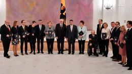Steinmeier entlässt alte Bundesregierung