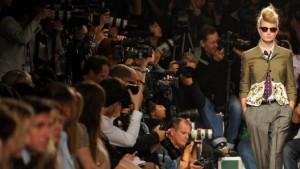 Viel Bewegung auf dem Laufsteg der Modebranche
