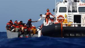 Italien dringt auf Verteilung von Migranten in der EU