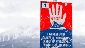 Skiwanderer in Bayern von Ast erschlagen