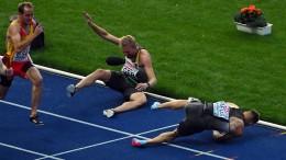 Sprinter stürzen, Sprinterinnen holen Bronze