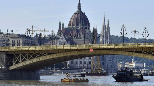Noch immer 15 Vermisste in Budapest