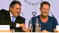 Til Schweiger präsentiert seine Stiftung