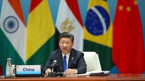 Chinas Präsident Xi sieht Gefahren für Weltwirtschaft