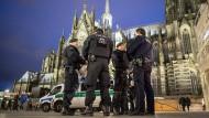 Blick auf den Dom: Viele Polizeibeamte sollen im Einsatz sein.