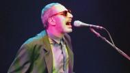 Donald Fagan im Jahr 1996 bei einem Konzert in Hamburg